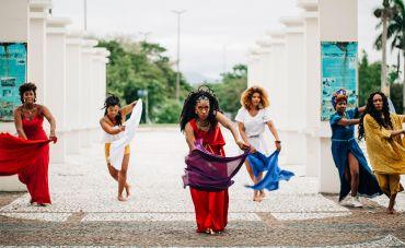 Dandara Manoela convoca todas as orixás femininas em 'Pretas Yabás'
