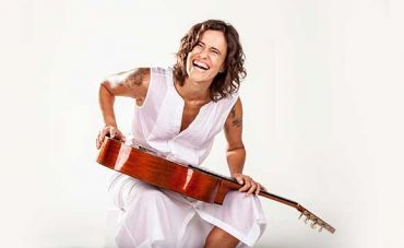 Zélia Duncan celebra 40 anos de carreira