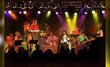 Gerson King Combo e Supergroove + Festa Blax em Noite Black no Teatro Rival Refit