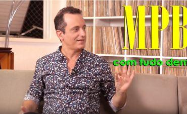 João Roberto Kelly recorda Carlos Imperial e reclama da patrulha das marchinhas carnavalescas