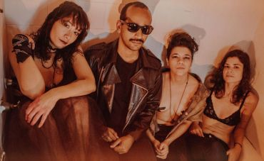 Blastfemme faz show do novo disco na Audio Rebel com convidados
