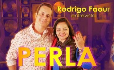 Perla fala de seu encontro com o ABBA e dá recado às mulheres contra a violência doméstica