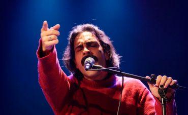 O musical 'BELCHIOR: Ano Passado Eu Morri, Mas Esse Ano Eu Não Morro' se apresenta no Teatro Rival