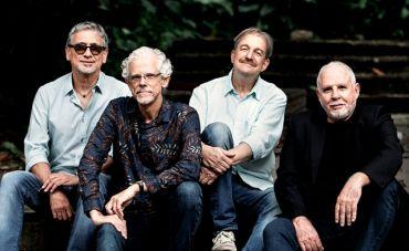 Boca Livre segue turnê de 'Viola do Bem Querer' no Teatro Riachuelo